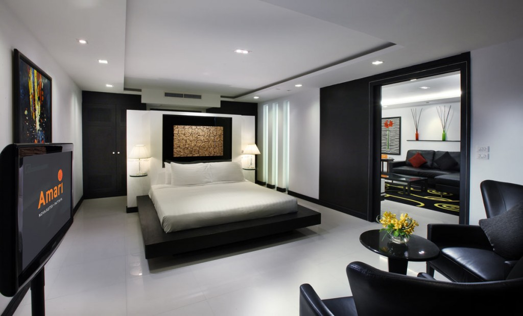 156608240-wat-arun-bangkok-thailand-thinkstock